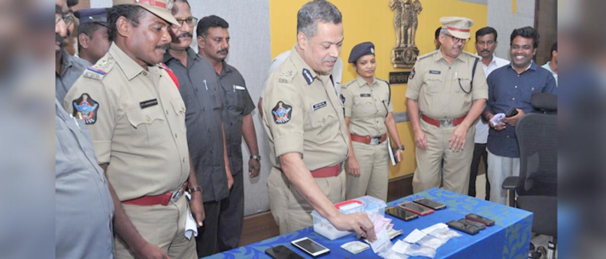 Drugs worth 2Lakh seized, 7 held in Vijayawada