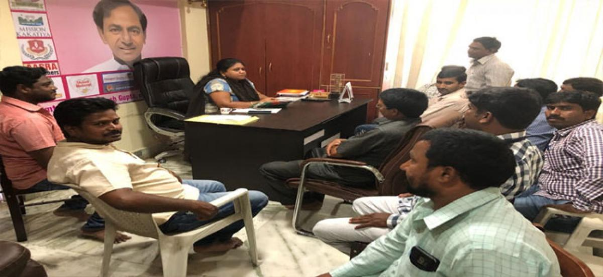 Mamatha asks sanitary workers to promote Swachh autos