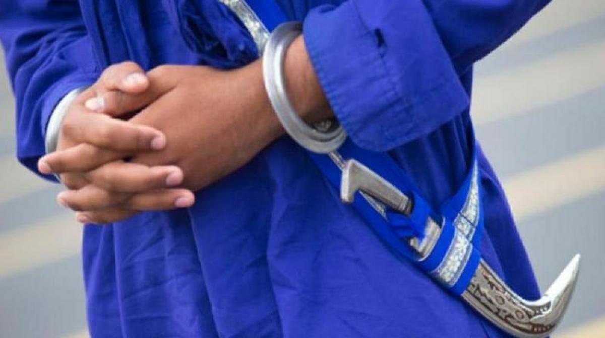 Police tells Sikh man to take off kirpan, 'get out' of bus in Australia