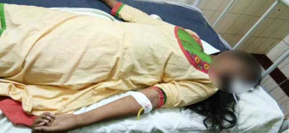 Cheated in love, woman attempts suicide in Nalgonda