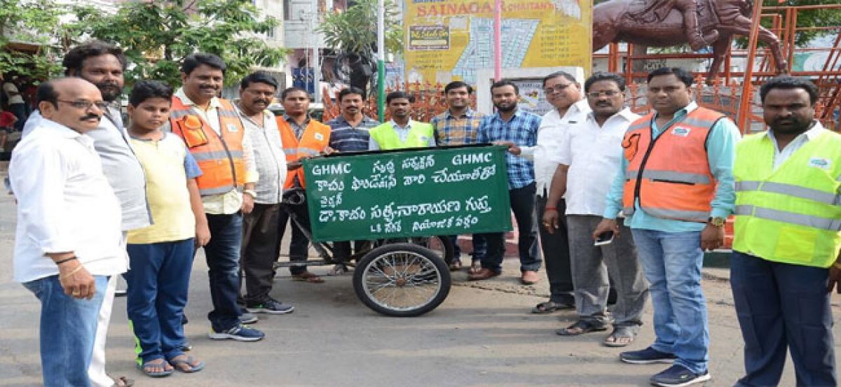Kacham Foundation distributes 'swachh rickshaws'