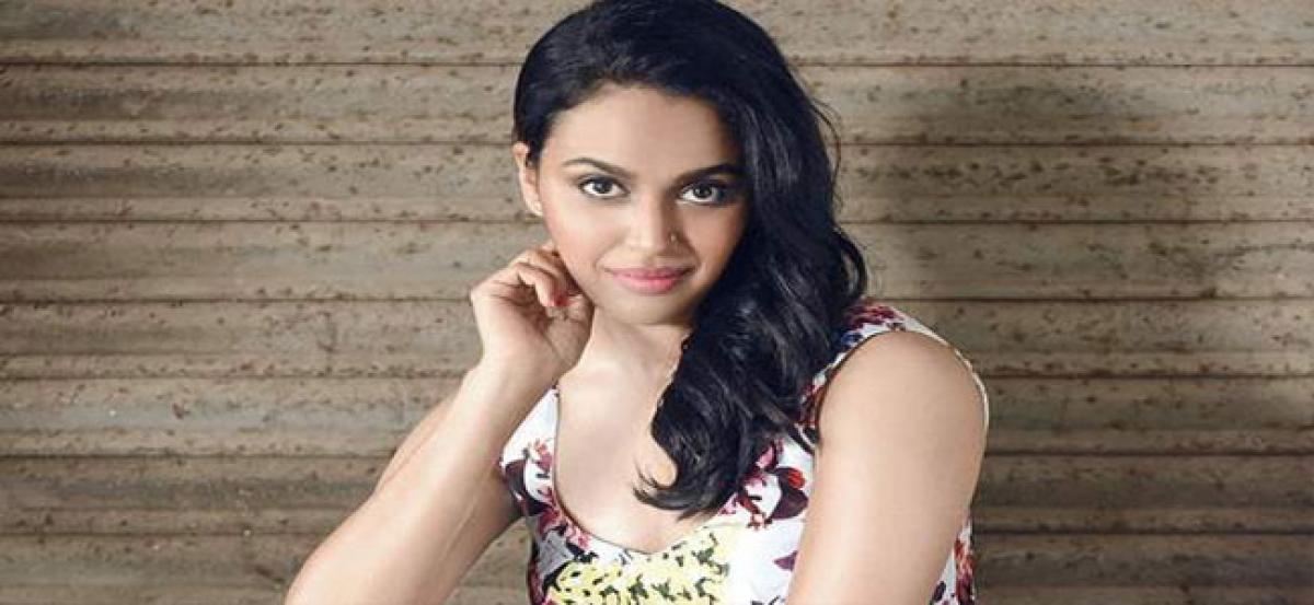 We should have a civil conduct on social media: Swara