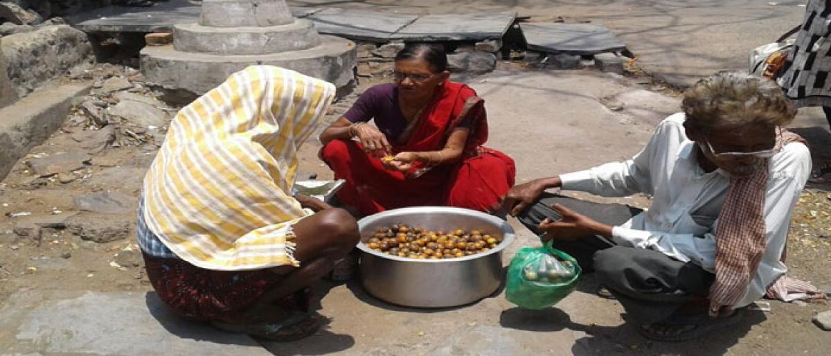 Seasonal fruits a lifeline for tribal women