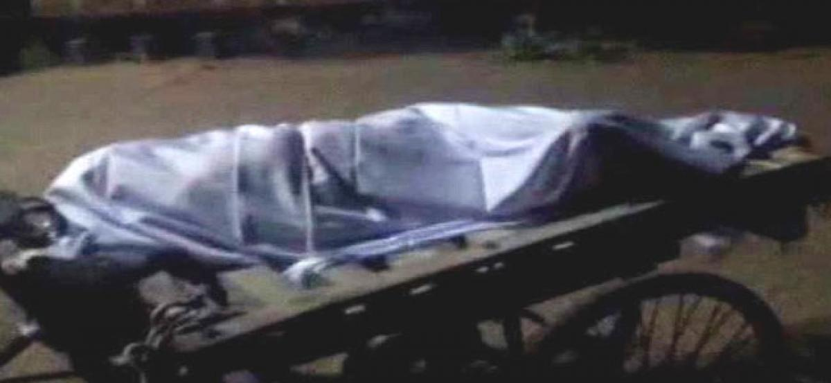 Odisha: Old womans body taken to graveyard in trolley