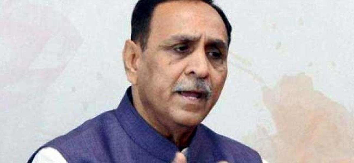 Congress workers release black balloons in UP against Gujarat CM