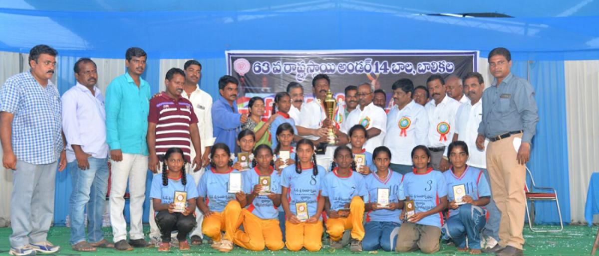 Khammam, Nalgonda emerge winners in U-14 volleyball tourney