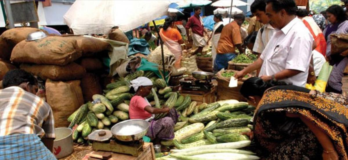 High wholesale vegetable prices increase burden on common man