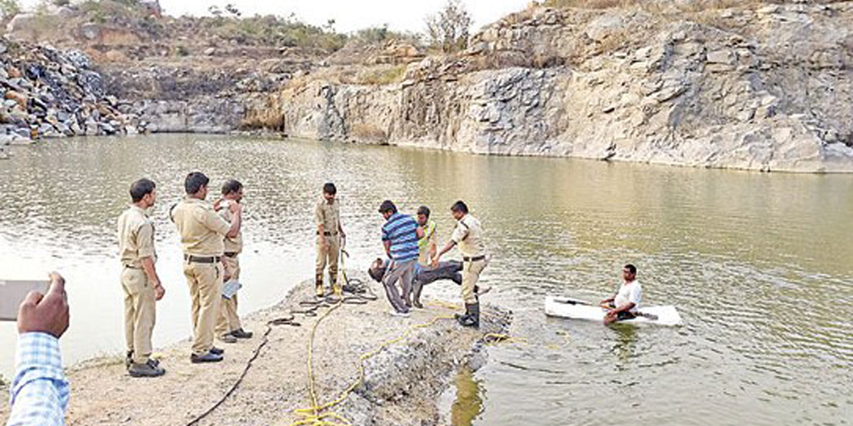 Three youth drown while clicking selfie in Hyderabad